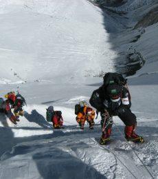 Verne : Panjat Gunung Everest di Dalam Kelas